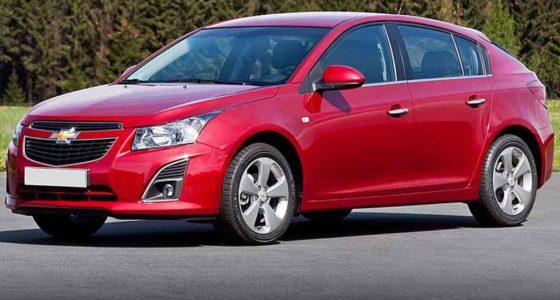 Chevrolet Cruze хэтчбек красный